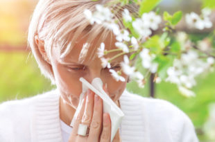 How to Treat Allergic Reactions, Seasonal Allergies & Attacks