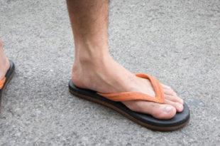 Proper Footwear & Why Diabetics Should Never Wear Sandals or Flip Flops